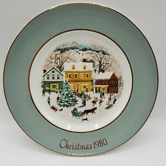 ✅SOLD✅Vintage Avon Christmas Plate 80 Country